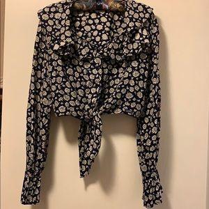 Vintage Boho GUESS Crop Tie Front Flutter Sleeve
